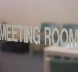 WRL-Pg-Img-meetingroom